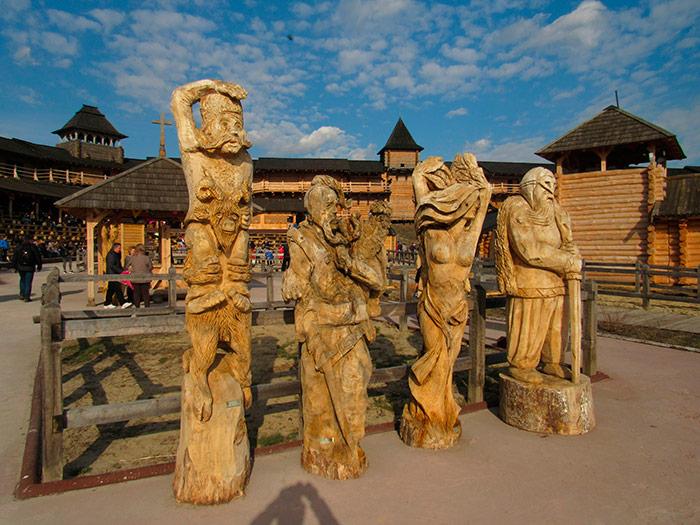 Дерев'яні скульптури