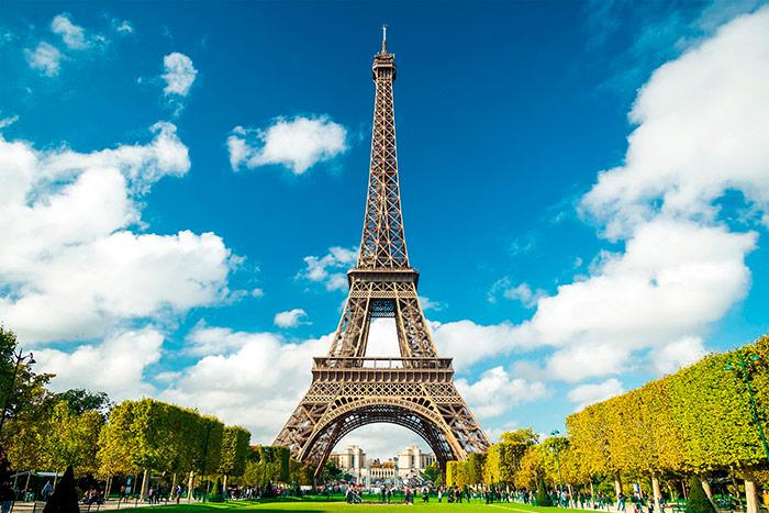 Ейфелева вежа в наш час