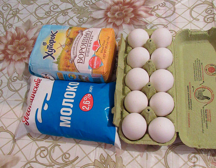 Простий набір продуктів для млинців