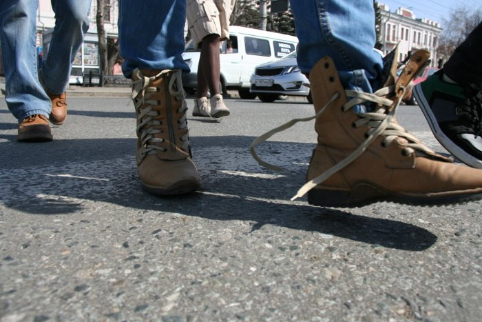 Обережно- розв'язані шнурки!