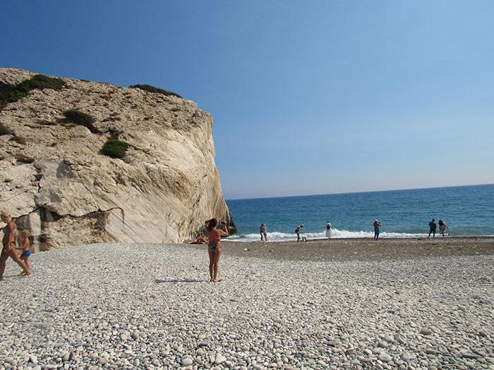 Морська галька на березі бухти Афродіти