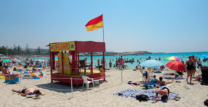 Пляж Ніссі