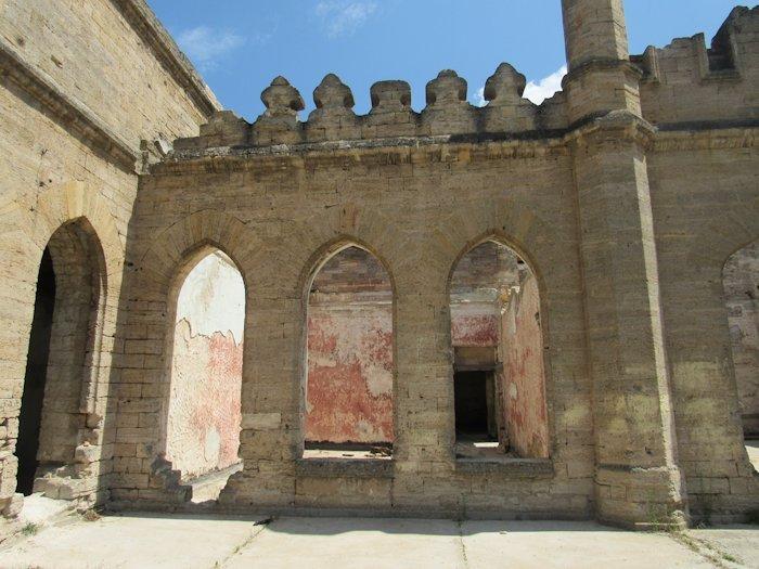 Стан інтер'єру замку Курісів у 2019 році