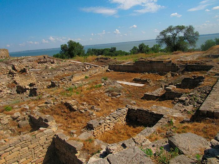 Розкопки античного міста Тіра