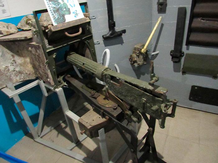 Кулемет Максим для ведення вогню із закритого приміщення