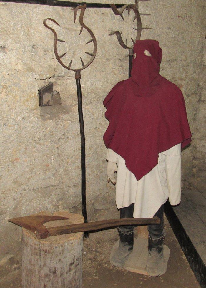Фігура ката в музеї тортур