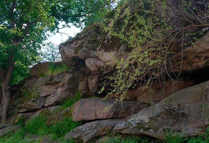 Думна скеля