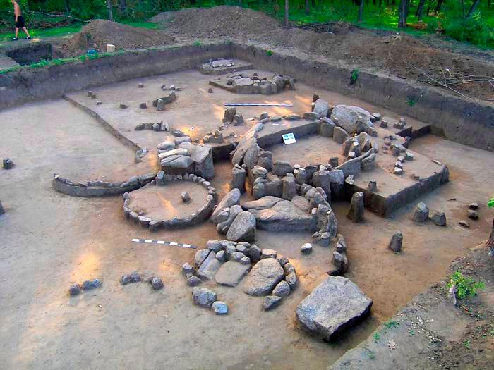 Кромлехи під час розкопок