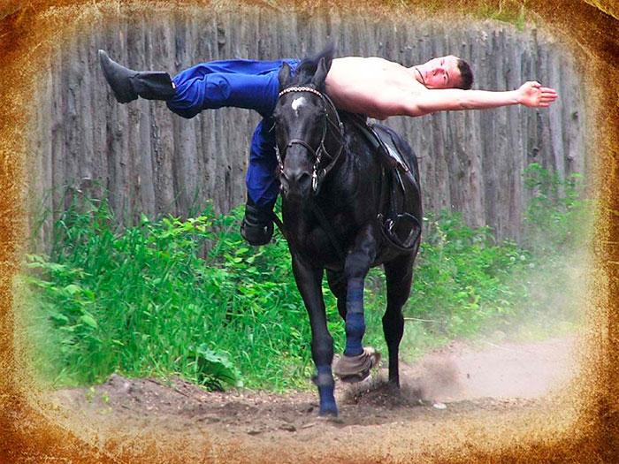 Виступ кінного театру «Запорозькі козаки»