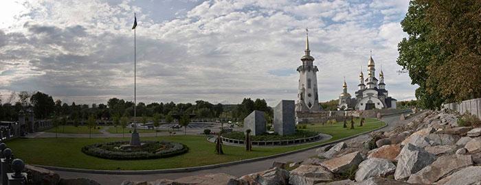Храмовий комплекс парку