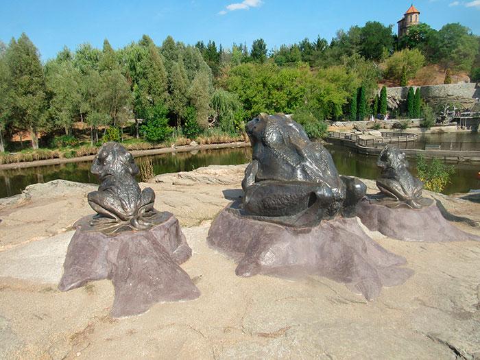 Три жаби на березі Роставиці