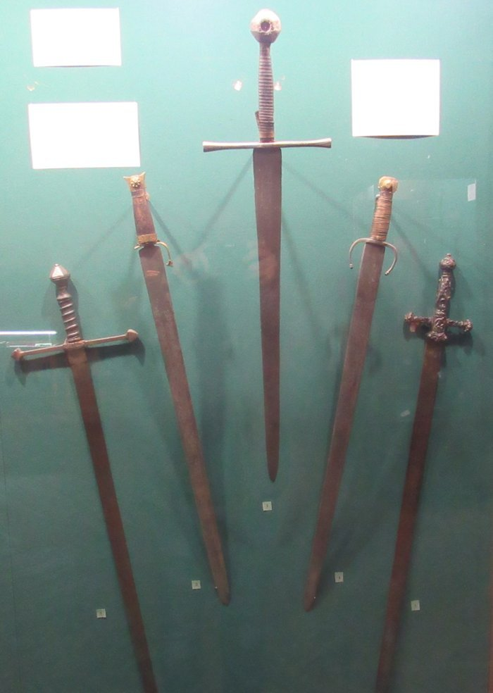 Звичайні мечи