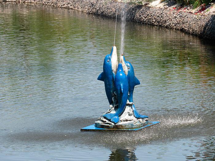Фонтан «Дельфіни»