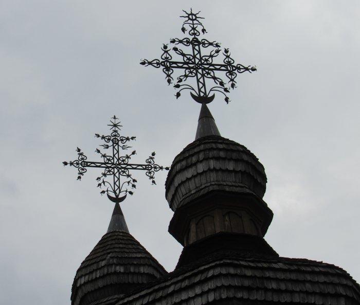 Хрести та перекриття гонтом