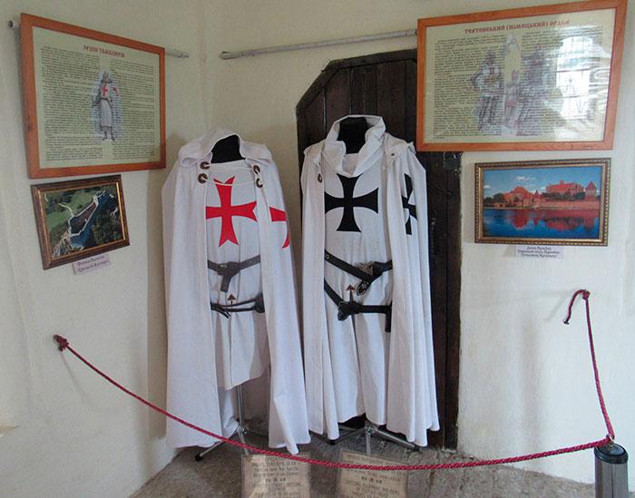 Одяг ордену тамплієрів