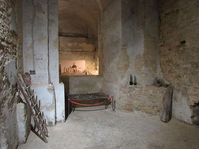 Одна з кімнат підземелля в Луцьку
