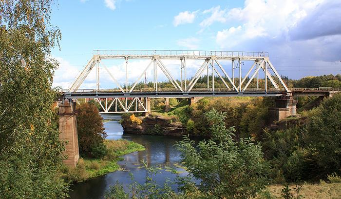Залізничний міст через річку Уж