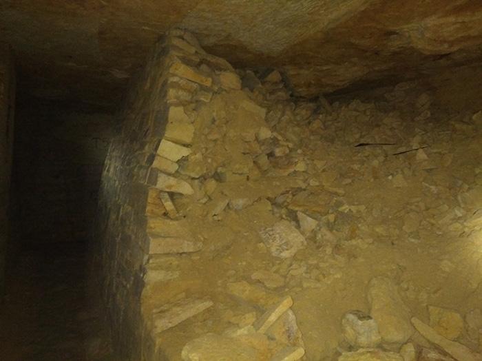 Небезпечні стіни одеських катакомб