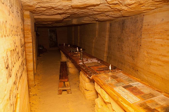 Приміщення в катакомбах