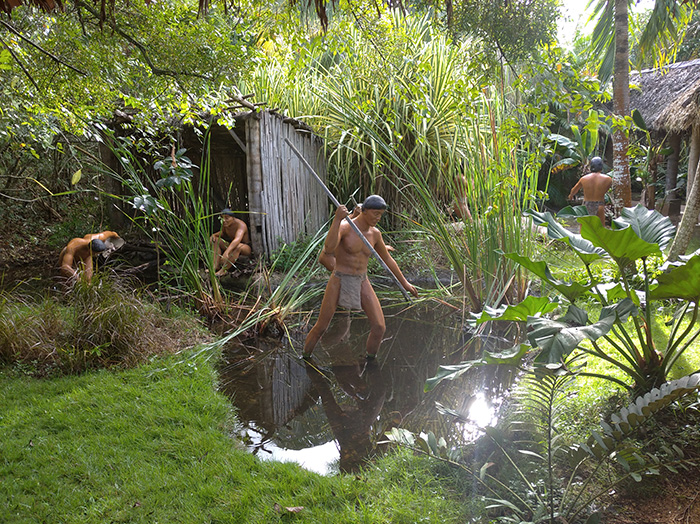 Таїно полюють на рибу