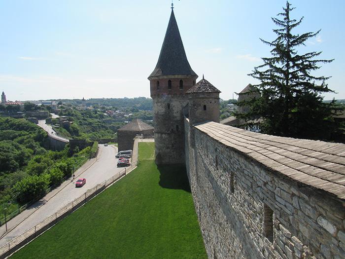 Лянцкоронська і Комендантська вежі з іншого ракурсу