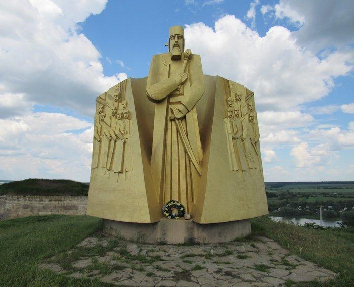 Пам'ятник гетьману Петру Конашевичу-Сагайдачному