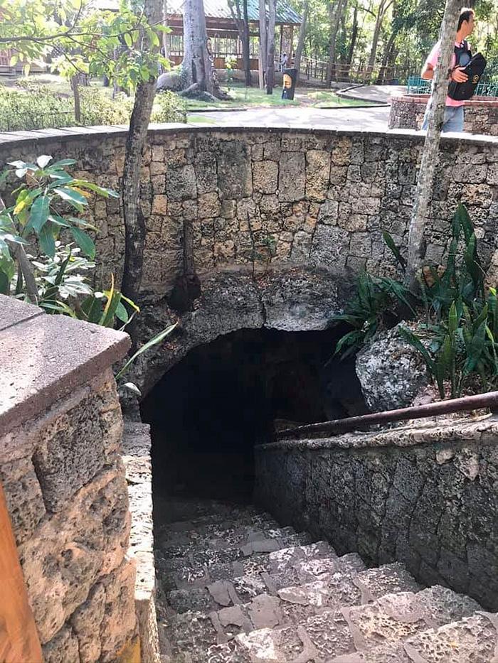 Спуск до печери «Три ока»